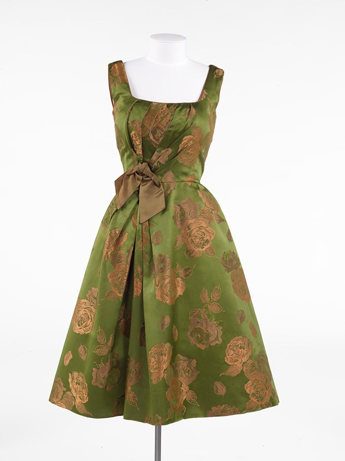 Cocktail dress, circa 1959, Wellington, by Alison Nicholls, Vogue. Purchased 2010. CC BY-NC-ND licence. Te Papa (GH016678)