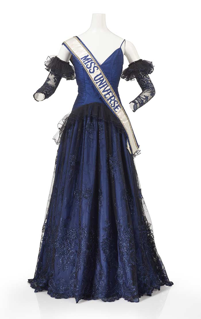 Evening gown ensemble, Miss Universe, 1983, Auckland, by Dawn McGowan, Television New Zealand. Gift of Lorraine Downes, 2012. Te Papa (GH017544)