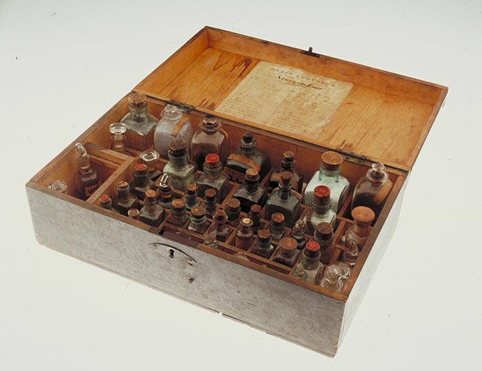 Medicine Chest, circa 1880, London, by Dakin Brothers. Acquisition history unknown. CC BY-NC-ND licence. Te Papa (GH003139)