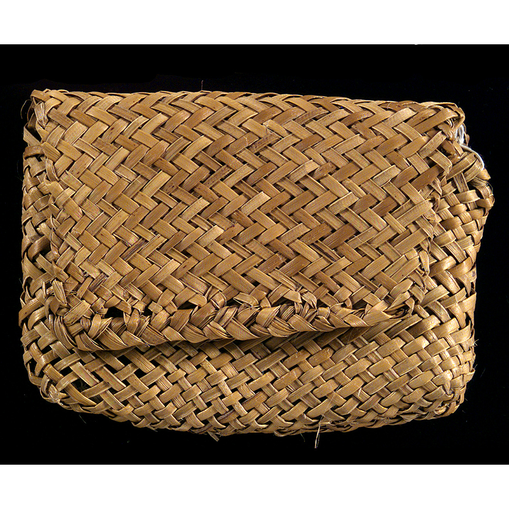 Woven bag to store fish