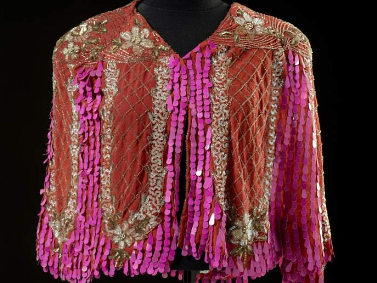Cape, 1920s-1930s, maker unknown. Acquired 1985. CC BY-NC-ND licence. Te Papa (PC003392)