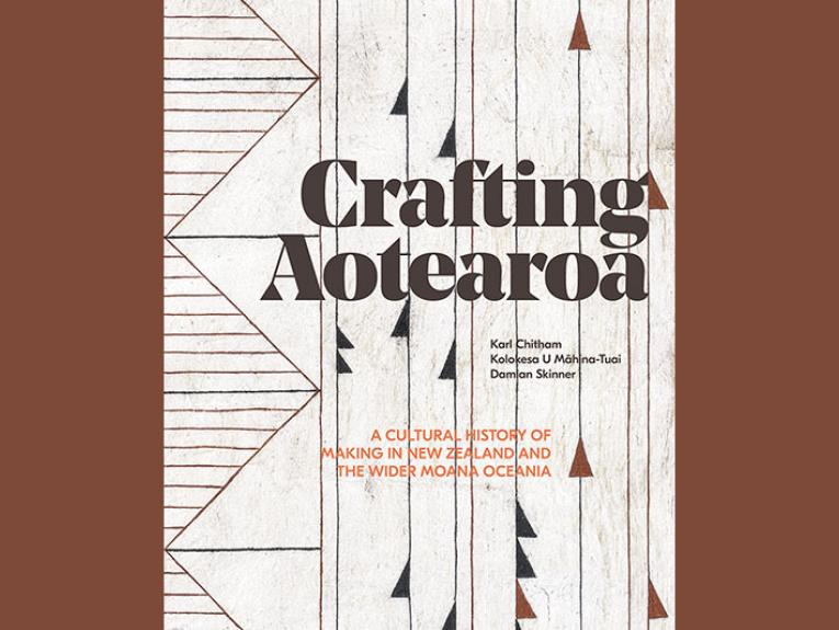 Front cover of the book Crafting Aotearoa