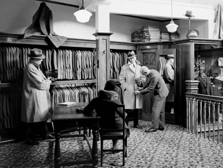 Vance Vivian Menswear premises, circa 1937, by Gordon Burt, Gordon H. Burt Ltd. Te Papa (C.002507)