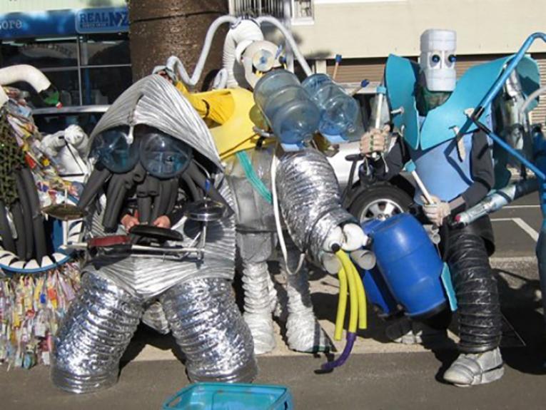 Alien Junk Monsters on Oriental Parade