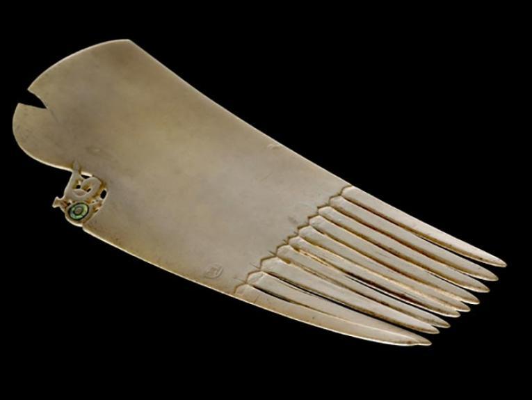 Ornamental comb