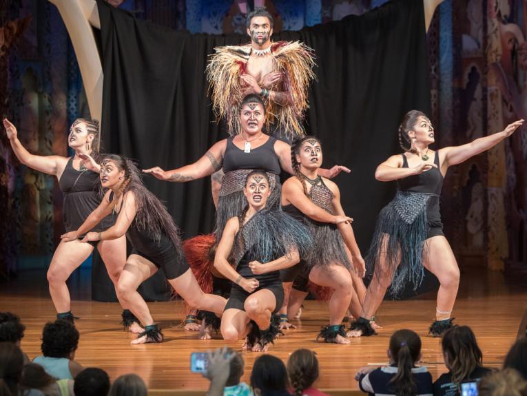 Le Moana performing on Te Marae at Te Papa