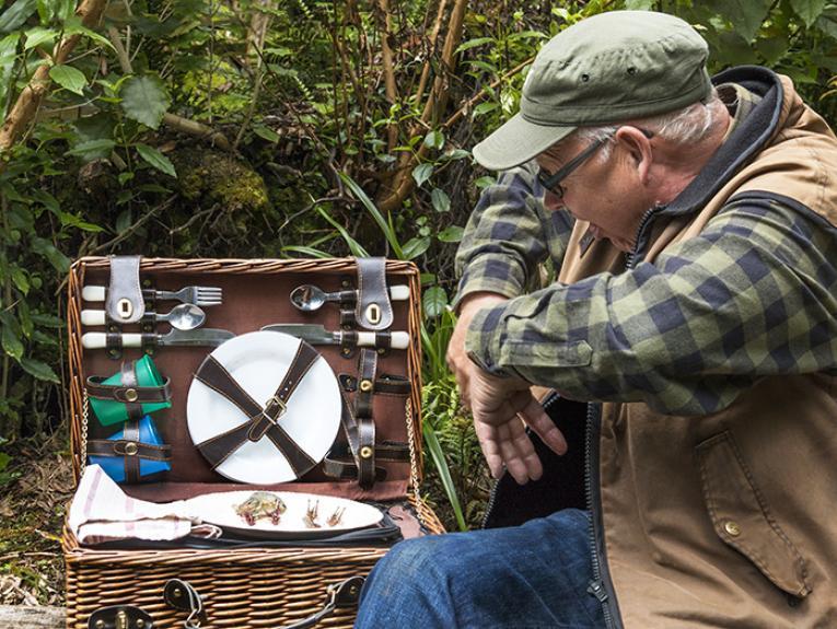 Bugman Ruud Kleinpaste enjoying a picnic