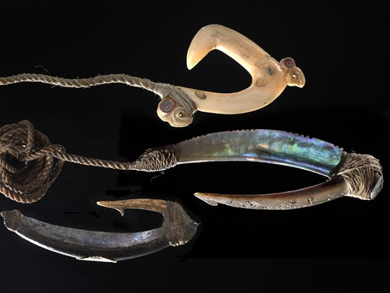 Pa Kahawai (trolling lure), 1750-1850, New Zealand, maker unknown. Oldman Collection. Gift of the New Zealand Government, 1992. Te Papa (OL000106/10)