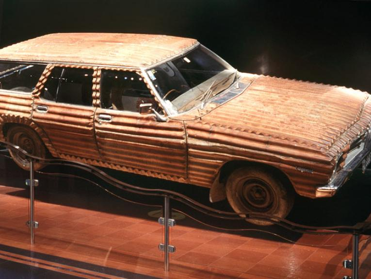 HQ Holden, 1991, by Jeff Thomson. Purchased 1996 with New Zealand Lottery Grants Board funds. Te Papa (1996-0005-1)