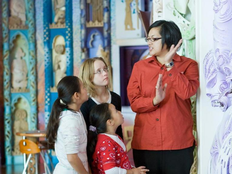 School group in Te Marae, 2009. Photograph by Michael Hall. Te Papa