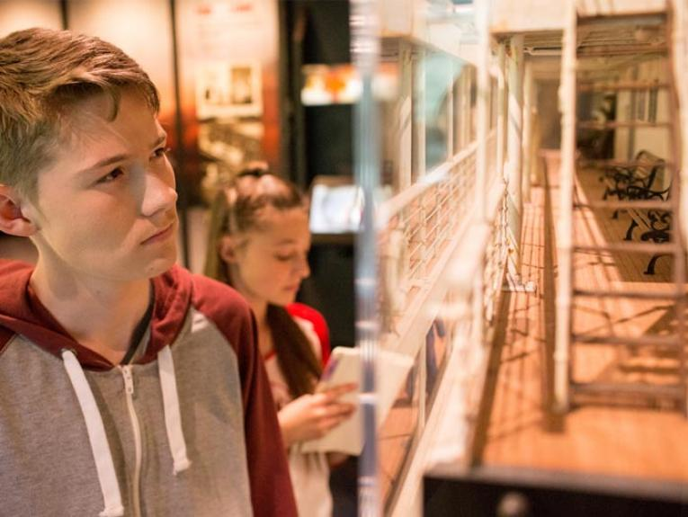 Students in the Gallipoli exhibition, 2015. Photograph by Michael Hall. Te Papa