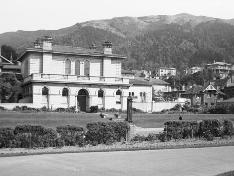 Colonial Museum, Wellington, 29 September 1934, Wellington, by Leslie Adkin. Gift of G. L. Adkin family estate, 1964. Te Papa (A.005434)