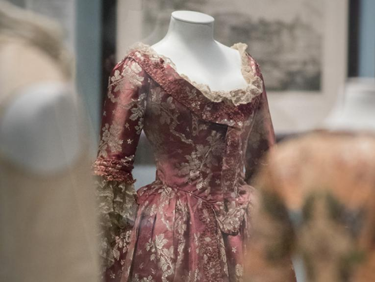 Mauve dress in the Splendour exhibition