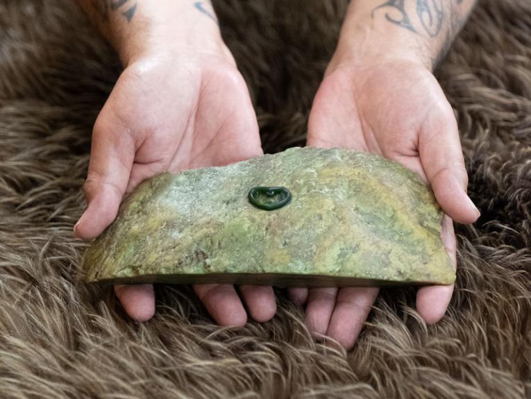 The Tohu Reo pounamu pin