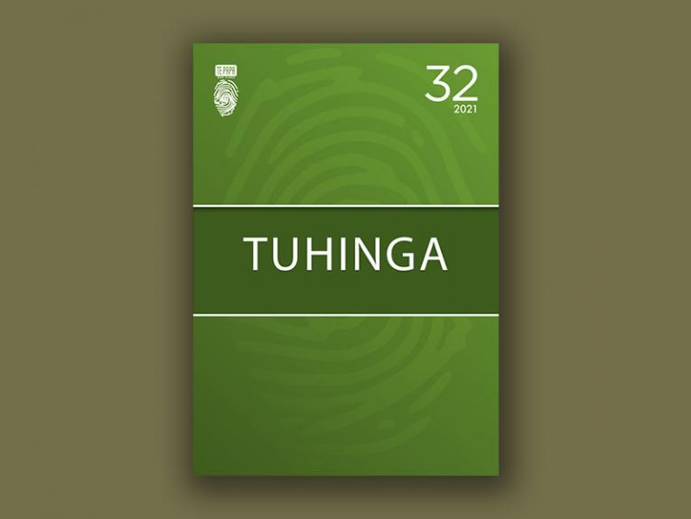 Front cover of Tuhinga 32