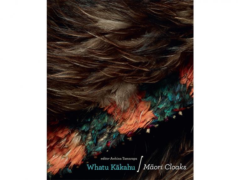 Whatu Kākahu: Māori Cloaks cover