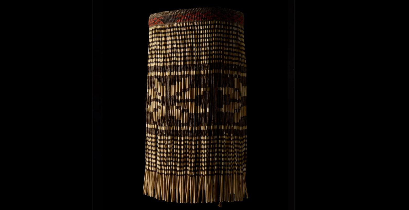 A skirt-like garment made of flax strands